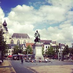 pic by @This Is Antwerp Groenplaats #antwerp #antwerpen #amberes #anvers #square #statue #publicspace #history #tour #trip #travel #traveling #holiday #travelgram #instatravel #people #center #city #citytrip #instagood #instagramers #instantwerpen #thisisantwerp