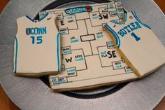 March Madness and Basketball Jersey Cookies - 1 Fine Cookie Basketball Practice, Basketball Plays, Basketball Workouts, Basketball Jersey, Basketball Stuff, Basketball Hoop, Basketball Bracket, Basketball Cookies, Team Snacks