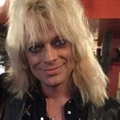 Michael Monroe tonight at Rento Club in Turku ❤️ Kiitos @riinea for the picture ❤️