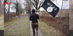 Son dakika haberi: Avrupanın konuştuğu görüntü! DEAŞ bayrağıyla... : Son dakika: İngiliz Daily Mail gazetesinin haberine göre bir kişi Berlin saldırısının ardından Avrupadaki sınırların ne kadar kontrolsüz olduğunu göstermek için elinde terör örgütü DEAŞ bayrağıyla sınırı geçme denemesi yapıyor. Danimarkalı genç Almanya sınırını geçtiği görüntüleri görüntüleyerek ...  http://www.haberdex.com/dunya/Son-dakika-haberi-Avrupa-nin-konustugu-goruntu-DEAS-bayragiyla-/140284?kaynak=feed #Dünya…