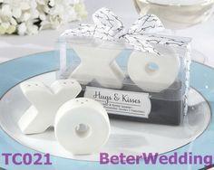 Abbracci e baci da Mr e Mrs. Ceramica sale e pepe  BETER-TC021       by Unique Wedding Favors http://it.aliexpress.com/store/513753 #uniquefavors #uniquegifts #Xmas  #weddingfavors