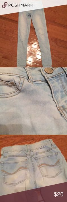 light wash jeggings skinny jeans, comfortable and in good shape Jeans Skinny
