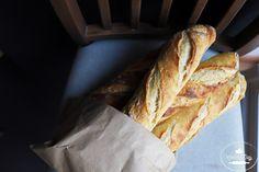 Bageta, ktorú si zamilujete. Kto raz ochutná domácu kváskovú bagetu, už si viac nepôjde kúpiť do obchodu. Čistá chuť, chrumkavá na dotyk aj v ústach... Recipe Images, How To Make Bread, Tasty, Vegan, Recipes, Balls, Steel, Hampers, Brot
