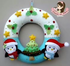 462 best images about Guirlandas, Panôs e outros on . Felt Christmas, Diy Christmas Gifts, All Things Christmas, Christmas Time, Christmas Wreaths, Christmas Decorations, Christmas Ornaments, Holiday Decor, Felt Crafts