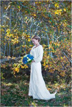 Autumn wedding portraits #wedding #bride #portraits #weddingdress #sweetheart #outdoor #hydrangea #brideportrait #bouquets #fall #weddingportraits #autumn #fall #october #nature #naturallight #ocean #swedish #weddingphotographer Höstbröllop Mölle  Skåne, Sweden. [Photo by Anna Lauridsen Kullafoto]