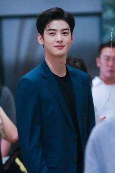 He's mine (cha eunwoo x Yn) Handsome Korean Actors, Handsome Boys, Korean Men, Asian Men, Cha Eunwoo Astro, Lee Dong Min, K Wallpaper, Kdrama Actors, Korean Celebrities