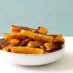 Peeling a butternut squash? Now that you know the life hack, roast some up to use in these delicious fall recipes below! [[MORE]]Spice-Roasted Butternut Squash and Onions - Ww Recipes, Vegetable Recipes, Great Recipes, Cooking Recipes, Favorite Recipes, Cooking Tips, Butternut Squash Fries, Gourmet, Recipes