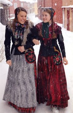 FolkCostume&Embroidery: Overview of Norwegian costume part 4 The North Norwegian Clothing, Norwegian Fashion, Folk Clothing, Historical Clothing, Folk Costume, Costumes, Norwegian People, Costume Ethnique, Norway Viking