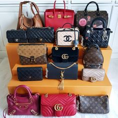 Things to Keep in Mind Before Buying Handbags – Just Trendy Girls Cheap Purses, Cute Purses, Cheap Handbags, Purses And Handbags, Cheap Bags, Unique Purses, Unique Bags, Luxury Bags, Luxury Handbags
