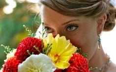 BIT SLOW BUT LIKE THE SIMPLISITY Wedding Photography, Crown, Fashion, Moda, Corona, Fashion Styles, Wedding Photos, Wedding Pictures, Fashion Illustrations