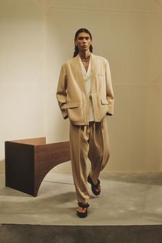 Milan Fashion, Fashion News, Fashion Beauty, Fashion Show, Mens Fashion, Fashion Trends, Vogue Paris, Fashion Project, Kimono Jacket