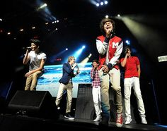 Niall dressed as Harry  Harry as Zayn Zayn as Louis Louis as Liam Liam as Niall Adorbs