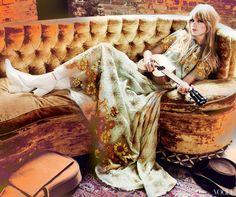 Title: The Single Life Magazine: Vogue US February 2012 Model: Taylor Swift Photographer: Mario Testino Stylist: Tonne Goodman Mundo Hippie, Estilo Hippie, Mario Testino, Jil Sander, Boho Chic, Foto Fashion, Fashion Song, Women's Fashion, Vogue Us