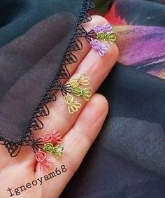 Love Crochet, Crochet Shawl, Diy Crochet, Seed Bead Tutorials, Beading Tutorials, Embroidery Jewelry, Crewel Embroidery, Saree Tassels Designs, Needle Lace