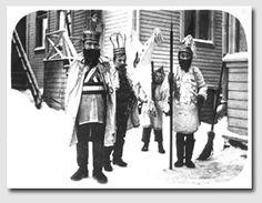 Oululaiset tiernapojat Isokatu 5:n pihalla v.1911