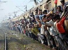गरीबों के लिए अतिरिक्त बोगी या पूरी ट्रेन की तैयारी