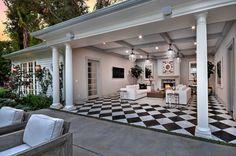 17085 Rancho Street | Encino