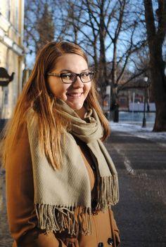 Olen Turun yliopiston taidehistorian oppiaineesta vuonna 2015 valmistunut filosofian maisteri, museoalan ammattilainen ja turkulaistunut tamperelainen. Olen kiinnostunut monipuolisista ja haasteita tarjoavista työtehtävistä museoissa sekä taiteen, viestinnän, projektijohtamisen ja tapahtumatuotannon parissa.