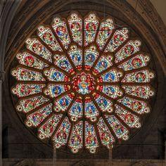 Geometría pura en el rosetón de Durham Cathedral   Matemolivares