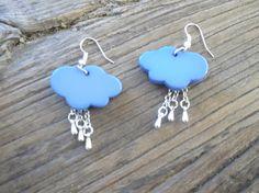 Boucles d'oreilles nuages et gouttes de pluies création by Loulous Party & Co