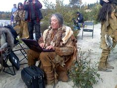 Easier than smoke signals Graham Greene, Native American Pictures, First Nations, Great Photos, American Indians, A Good Man, Nativity, Combat Boots, Actors
