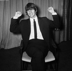 """The Beatles are a famous English band that originated in Liverpool, England. They became """"The Beatles"""" in 1960 and consisted of four very talented and incredibly influential musicians; John Lennon, Paul McCartney, George Harrison, and Ringo Starr. Ringo Starr, George Harrison, Paul Mccartney, John Lennon, Great Bands, Cool Bands, Richard Starkey, Les Beatles, The Fab Four"""