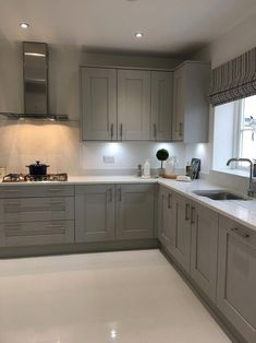 good grey kitchen cabinets will make you not easy to get bored with the design 1 Grey Kitchen Designs, Kitchen Room Design, Kitchen Cabinet Design, Modern Kitchen Design, Living Room Kitchen, Home Decor Kitchen, Interior Design Kitchen, Kitchen Furniture, Home Kitchens