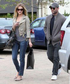 Rosie Huntington-Whiteley - Jason Statham And Rosie Huntington-Whiteley Out Shopping At Maxfield In Malibu