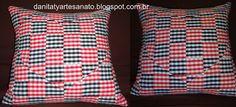 Almofada feita com retalhos Throw Pillows, Quilts, Craft, Toss Pillows, Cushions, Decorative Pillows, Decor Pillows, Scatter Cushions