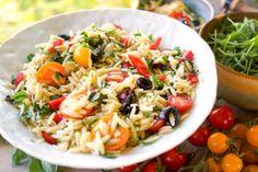 Cherry-Tomaten-Nudelsalat mit Paprika und Oliven Rezept