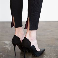 """Ply pants + Merino, perfect for long flights. """"Feels soft, but wears structured like pants"""" Fashion Pants, Fashion Shoes, Fashion Accessories, Fashion Outfits, Fashion Details, Love Fashion, Womens Fashion, Fashion Design, Pretty Outfits"""