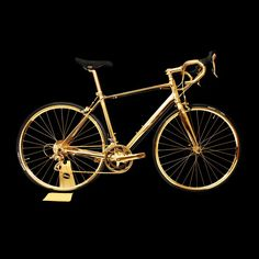Talk about going for gold a rather marvelous team of customization artisans have only gone and embellished this menrsquos British racing bike with 24K Gold.
