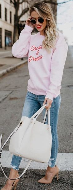 #winter #outfits pink long-sleeved top