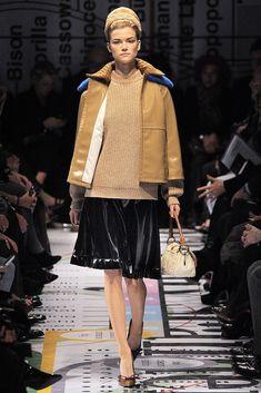 Prada Fall 2010 Ready-to-Wear Collection Photos - Vogue