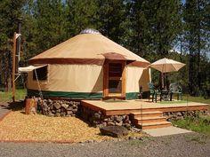 Yurta con base de piedras
