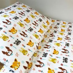 Decorate your little one's bedroom with this adorable cotton duvet cover set. Featuring adorable woodland creatures with heart and flower detailing, let your little ones drift off in comfort and style. Cot Bed Duvet Cover, Cot Duvet, Woodland Creatures, Woodland Animals, Duvet Sets, Duvet Cover Sets, 100 Cotton Duvet Covers, Bedroom Themes, Little Ones
