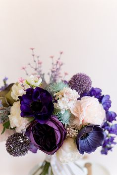 Easy (honest!) DIY ultra violet wedding bouquet #ultraviolet #purpleflowers #diyweddingbouquet