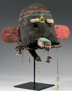 Hopi Honan (Badger) Kachina, ca. Native American Masks, South American Art, Art Premier, Crazy Outfits, Animal Masks, Grunge Girl, African Masks, Indigenous Art, Weird Art