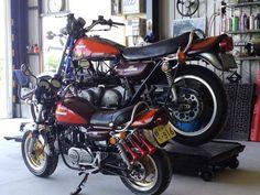 Father and son (kawasai 750 Z2 and Honda monkey Z50)