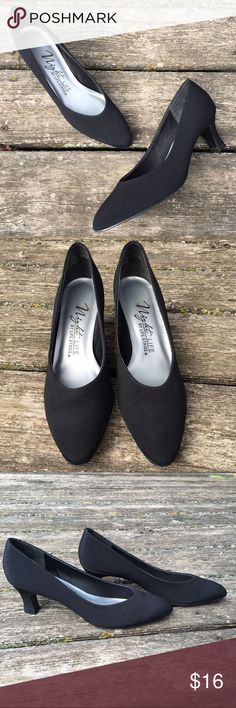"🎀NEW LISTING🎀 Black Pumps Black Pumps by Night Life by Life Stride. Size 8. 2.5"" Heels. Life Stride  Shoes Heels"