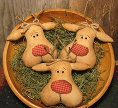 Primitive Christmas Reindeer Tucks EPATTERN by OldeAnniePrimitives