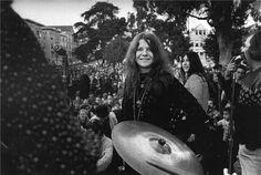 1966: Janis Joplin in San Francisco, CA (x)