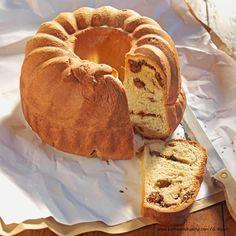 Kärntner Reindling Klassiker aus der österreichischen Mehlspeisküche Strudel, Bagel, Camembert Cheese, Bread, Food, Europe, Dessert, Oven, Easy Meals