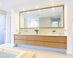 Timber (look) vanity, inset/nib wall Bathroom Mirror Cabinet, Bathroom Vanities, Dressing Room, Corner Bathtub, Decoration, Home Projects, Custom Homes, Vanity, House Design