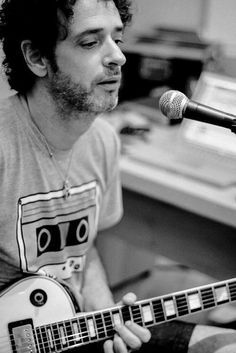 Gustavo Cerati Soda Stereo, Music Stuff, Music Songs, My Music, Pink Floyd More, Rock Argentino, Foto Art, Old Soul, Music Is Life