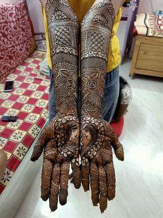Dulhan Mehndi Designs, Bridal Mehndi Designs, Mehandi Designs, K Ring, Engagement Mehndi Designs, Modern Design, Jewelry Design, Bangles, Hairstyles