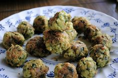falafel balls!  key ingredients are flour, chickpea, spinach.
