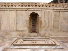 Ablution-tank-at-Nagina-Masjid-in-Agra-Fort.JPG (1024×768)