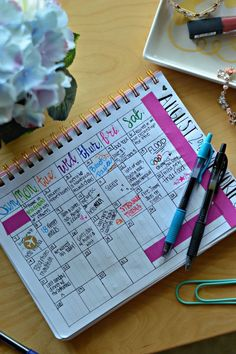 How to start a Bullet Journal (and some spread ideas) #ad #pilotmylife // Hey There, Chelsie