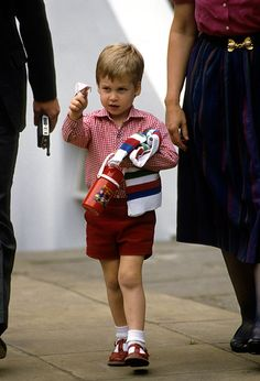 How Prince George's first day at nursery compared to Prince William's - Photo 2